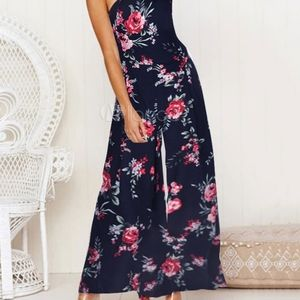J for Justify Floral Jumpsuit Womans Size Small